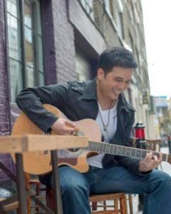Mark-Villarosa-Digital-Entrepreneur-and-Musician