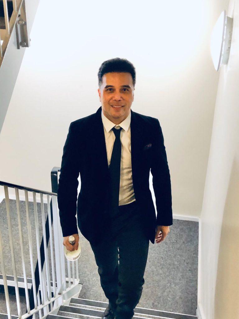 Mark Villarosa - Digital Marketing Entrepreneur